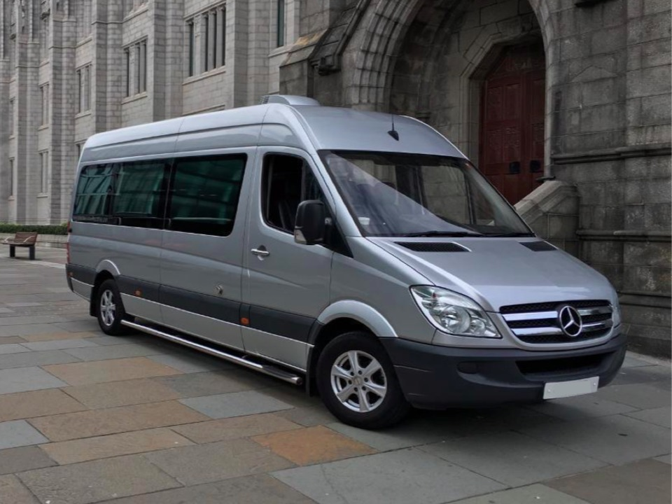 Minibus, 1 to 14 adults traveling